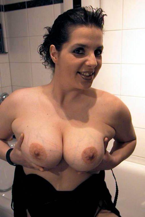 Dicke Titten mit erigierten Nippeln